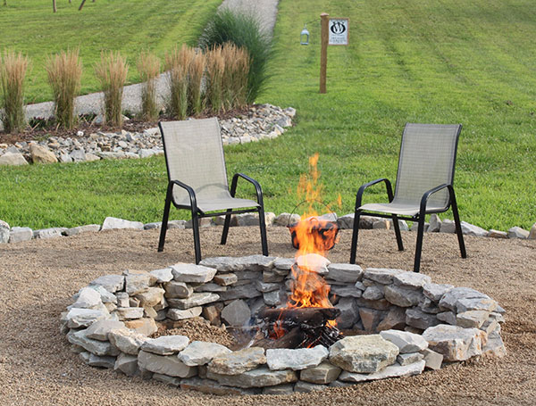 16 Awesome DIY Fire Pit Ideas for you backyard