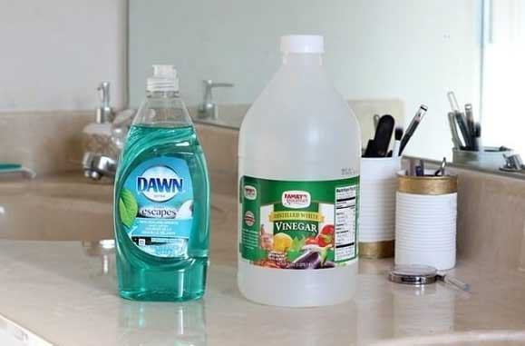 These Old-School Tips Will Remove Grease Stains From Clothing